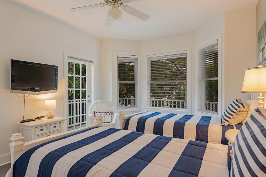 63 13th Ave S Naples FL 34102-large-031-033-bedroom2-1499x1000-72dpi.jpg