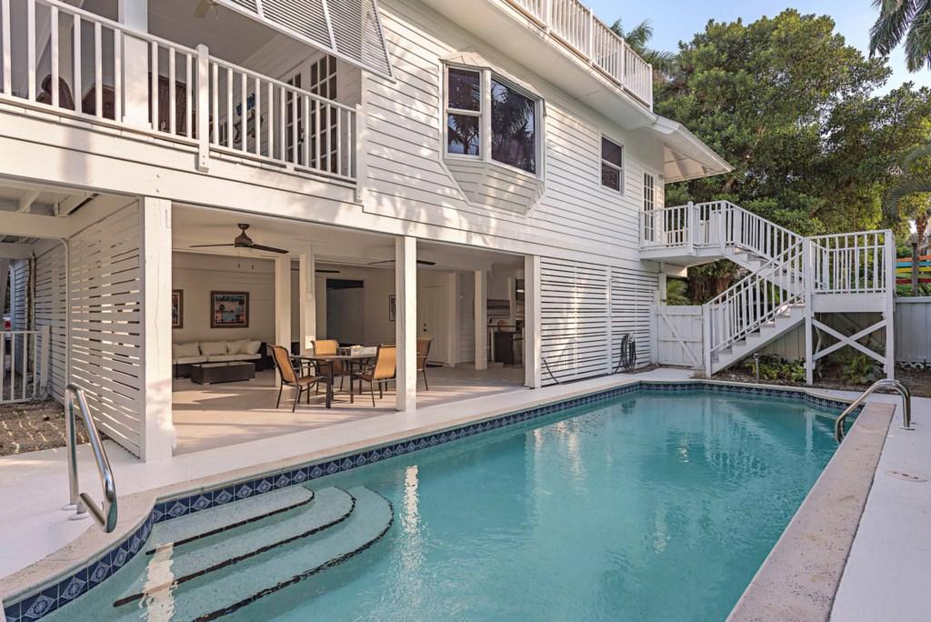 63 13th Ave S Naples FL 34102-large-035-041-pool-1499x1000-72dpi.jpg