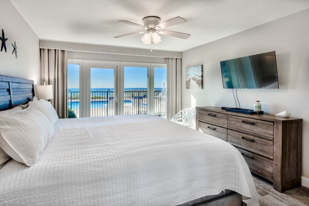 King Bedroom Overlooking The Gulf of Mexico