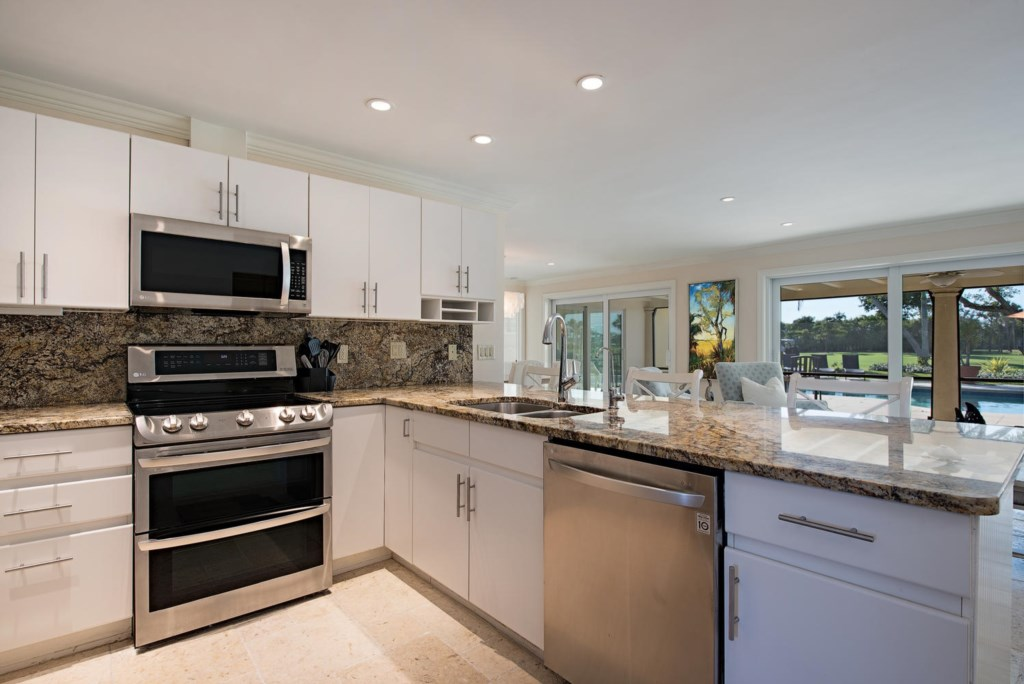 925 Wedge Drive Naples FL-large-007-5-Kitchen-1499x1000-72dpi.jpg