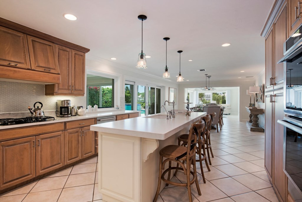 1910 4th Street S Naples FL-large-008-007-Kitchen1-1499x1000-72dpi.jpg