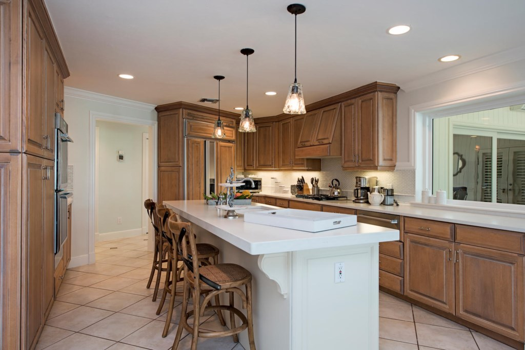 1910 4th Street S Naples FL-large-009-008-Kitchen2-1499x1000-72dpi.jpg