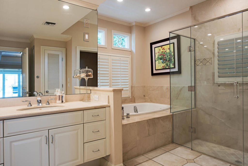1910 4th Street S Naples FL-large-013-012-MasterBath-1499x1000-72dpi.jpg