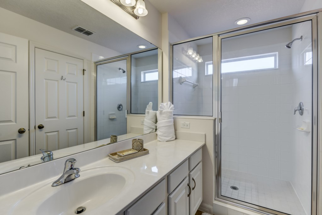 11_Bathroom_0721.jpg