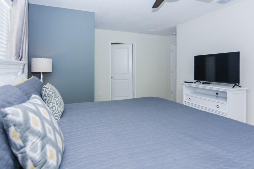 Grey Suite 3.jpg