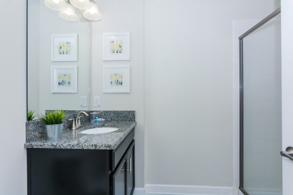 Grey Suite 4 Bath.jpg
