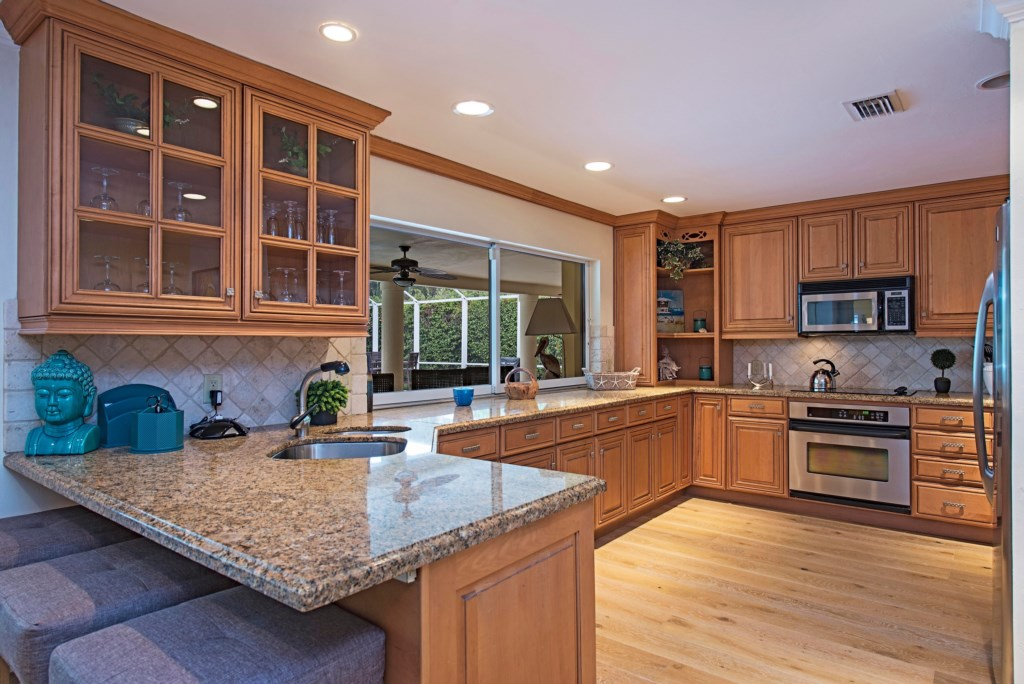 675 Regatta Road Naples FL-print-004-Kitchen-4200x2804-300dpi.jpg