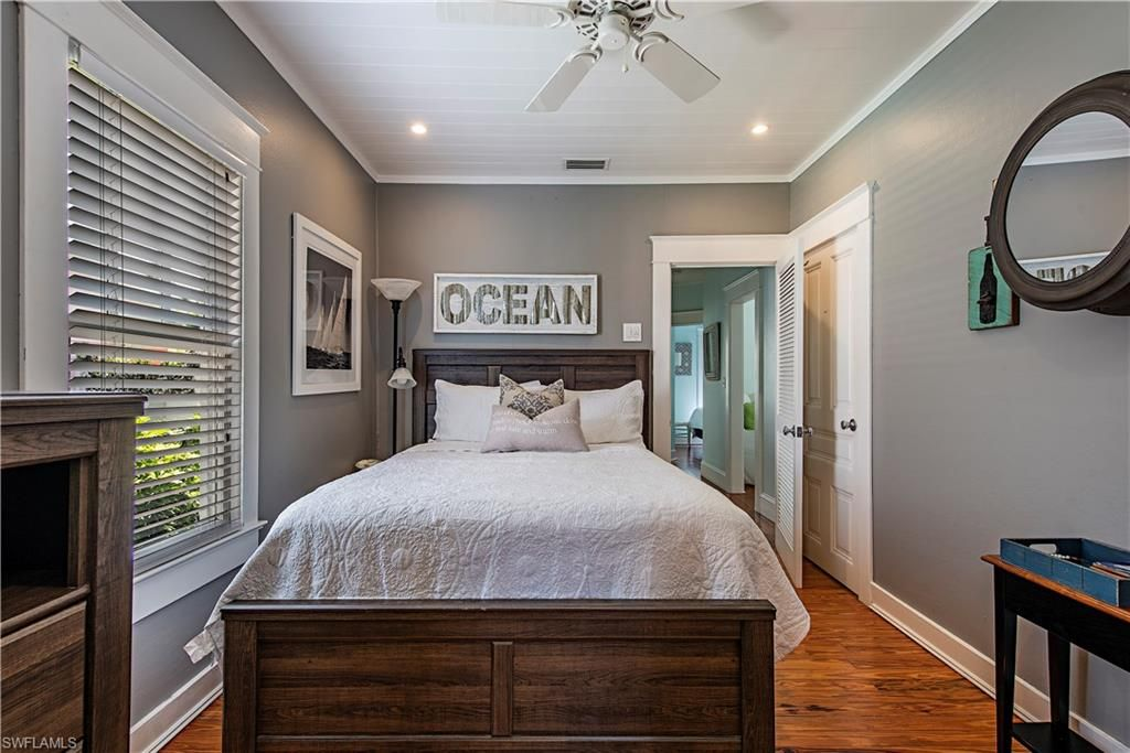 Ocean Themed Pearl Bedroom