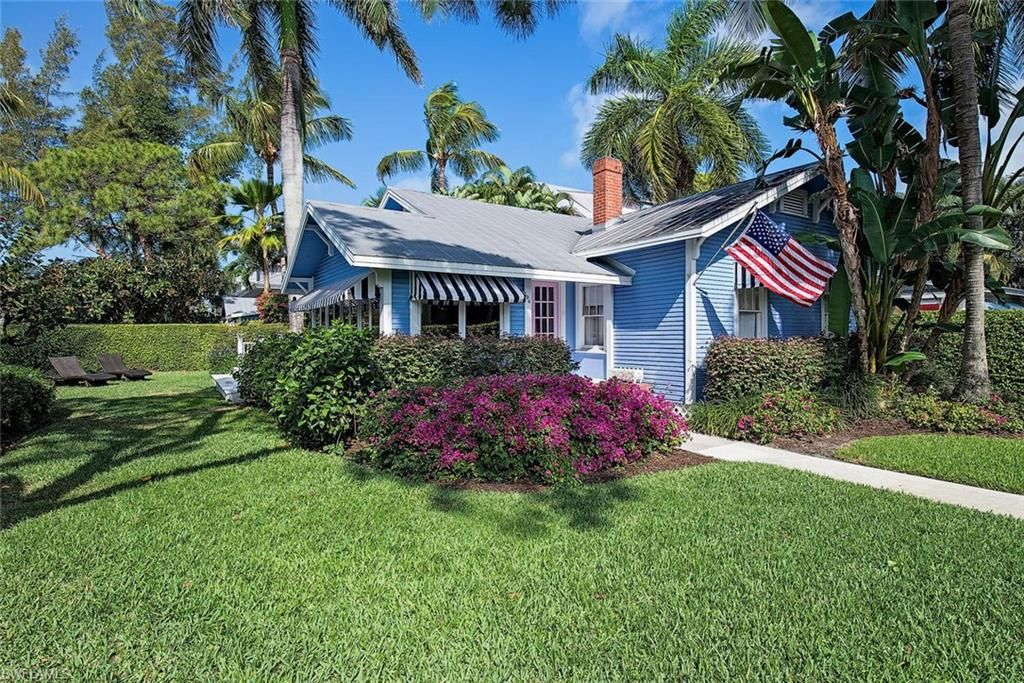 Pearl Beach House and Cabana in Historic Downtown Naples