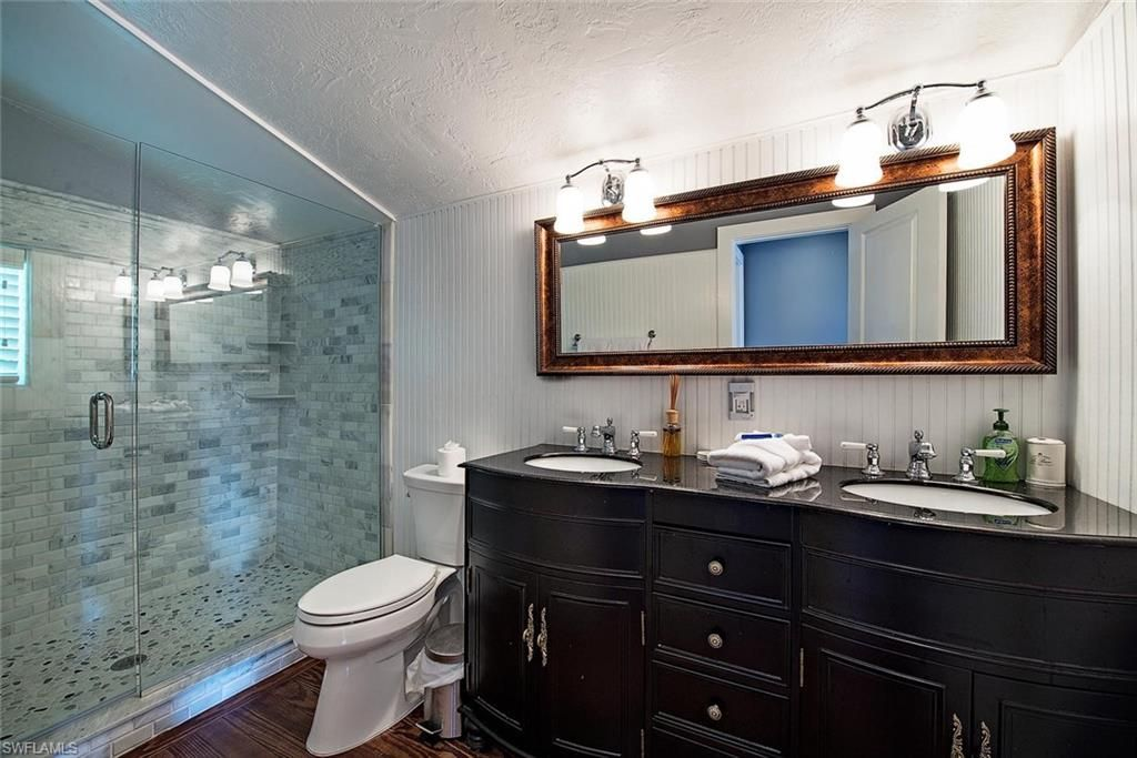Gorgeous Pearl Bathroom