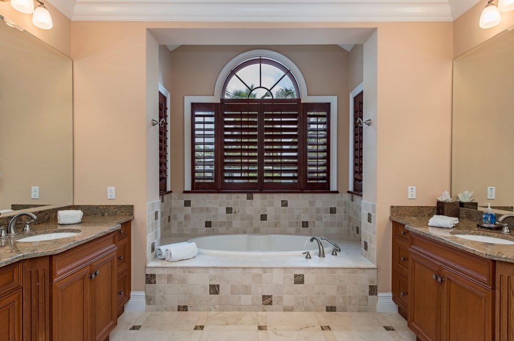 85 13th Avenue S Naples FL-print-005-10-master bath-4200x2791-300dpi.jpg