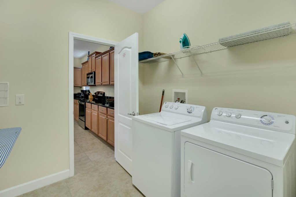 2966 Buccaneer Palm Rd Kissimmee FL 3474709Laundry Room.jpg