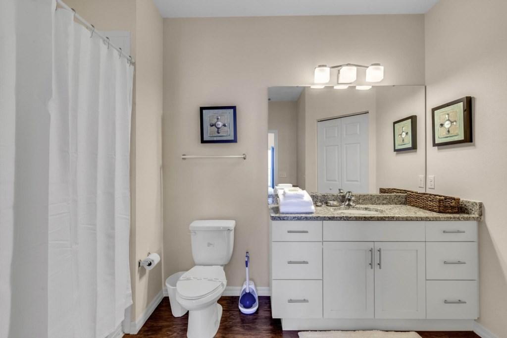 3040-Polynesian-Isle-Blvd-15-101--Kissimmee--FL-34747---17---Master-Bathroom-Edit.jpg