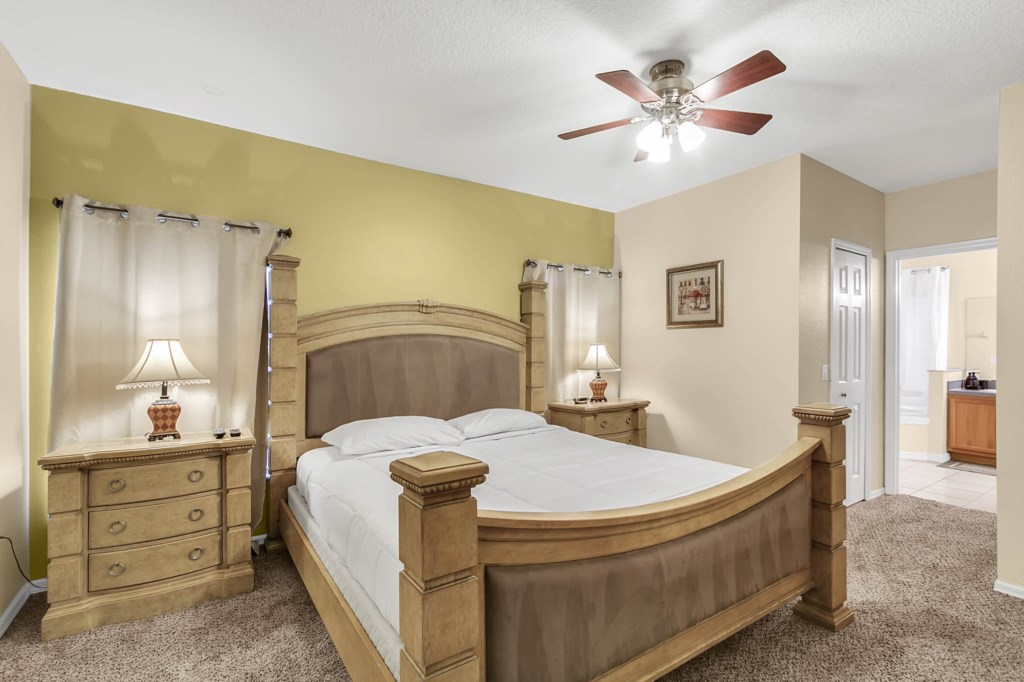 2853-Blooming-Alamanda-Loop--Kissimmee--FL-34747----16---Master-Bedroom.jpg