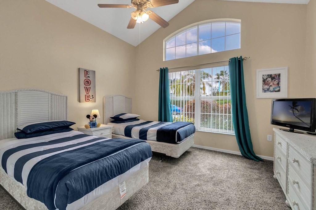 2853-Blooming-Alamanda-Loop--Kissimmee--FL-34747----22---Bedroom.jpg
