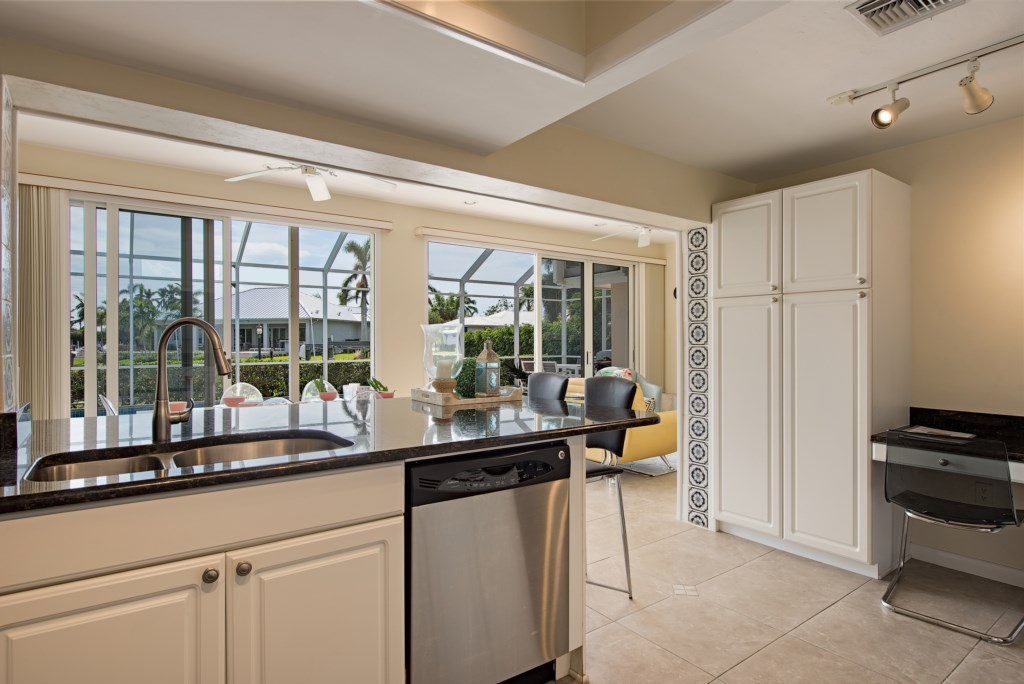1809KingfishRoadNaplesFL-print-010-10-Kitchen2-4096x2734-300dpi