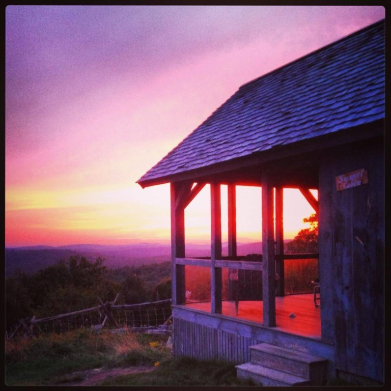 The Sunset/Guest Cabin is a stone's throw away from the Main House.  Private and cozy as can be