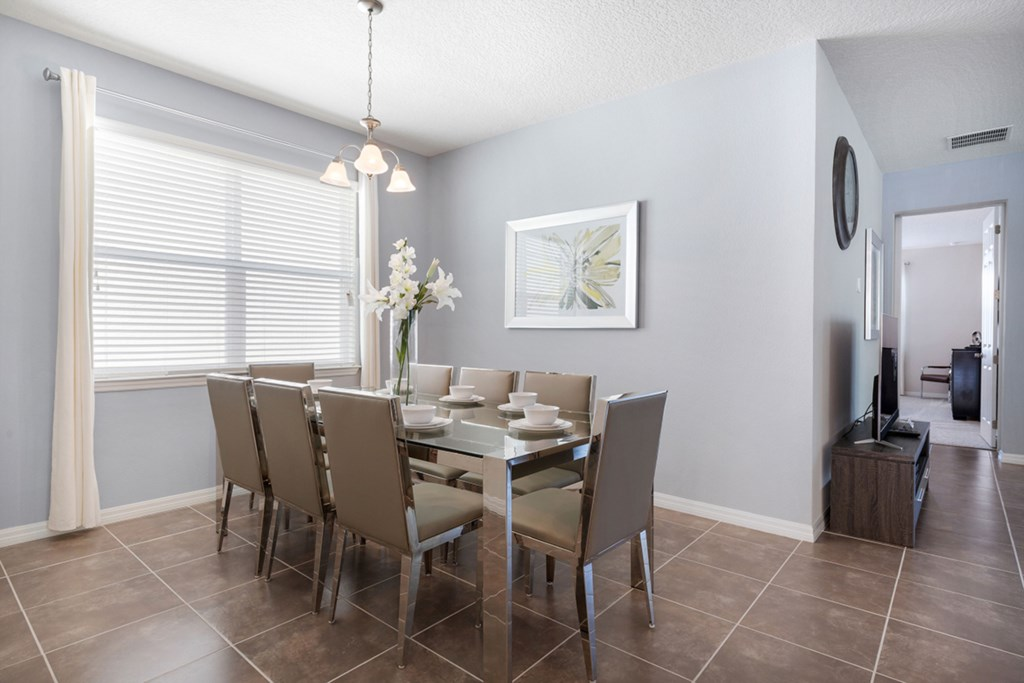 04_Dining_Table_with_8_Seats_0921.jpg
