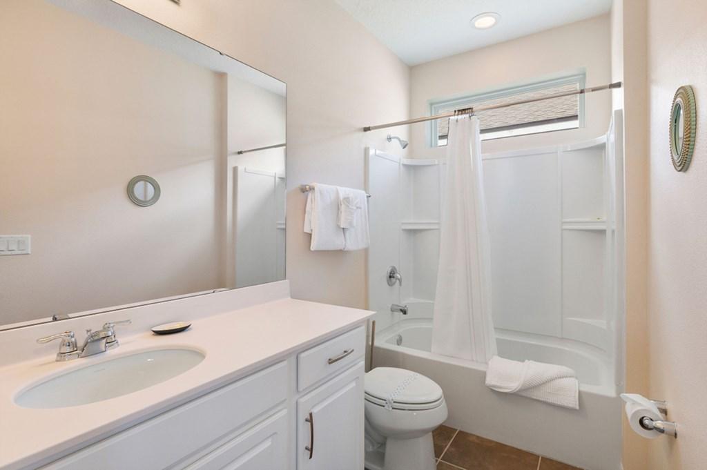 21_En-Suite_Bathroom_0921.jpg