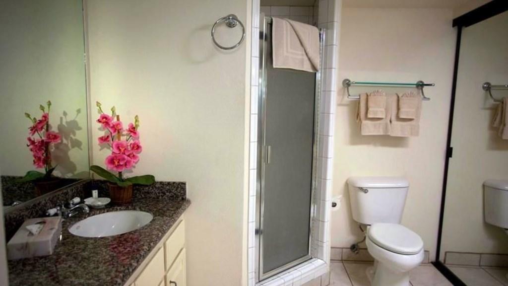 Bathroom 2 - 2 1920x1080_10mb_l.jpg