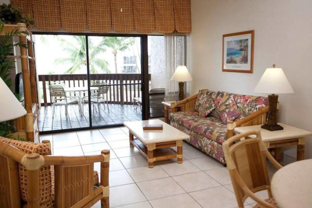 Living area 2_10mb_l.jpg