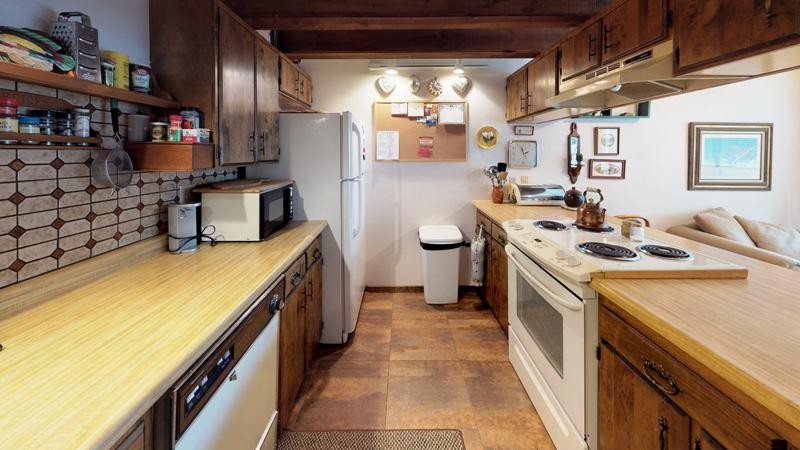 bSVP55zE5tW-Kitchen.jpg