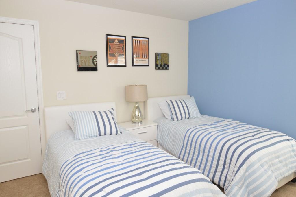 Twin Bedroom2.jpg