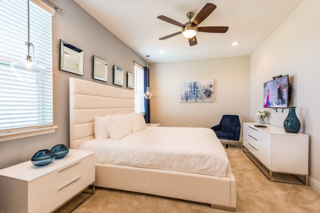 Master Bedroom 2-2.jpg