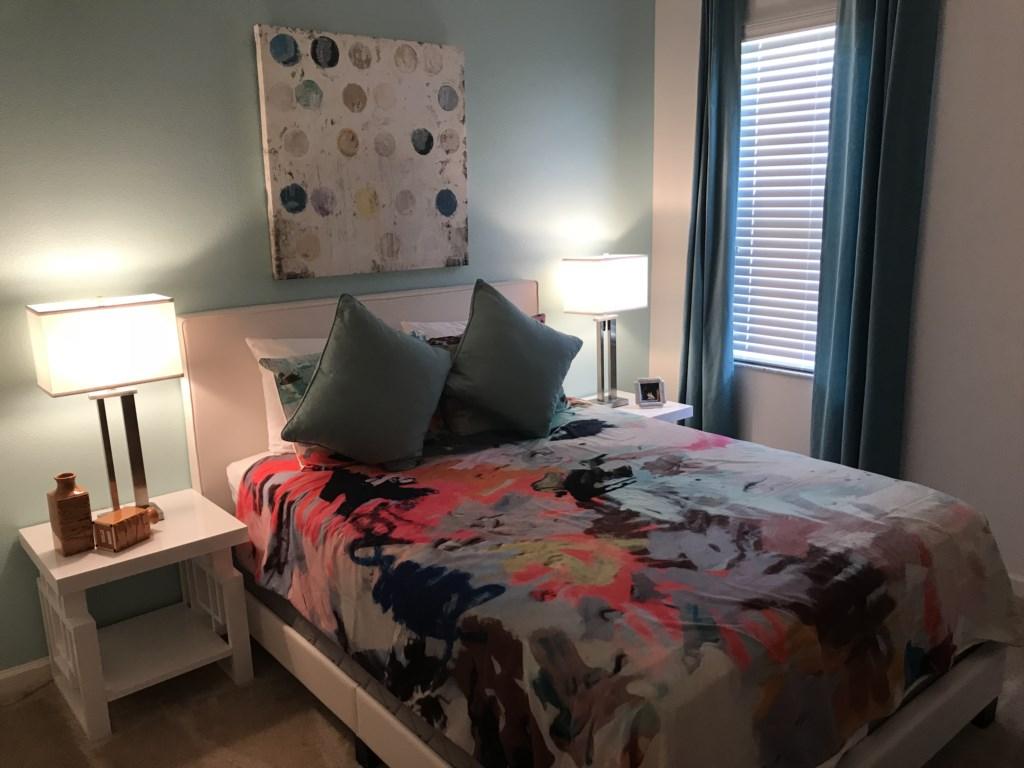 5252 Oakbourne - Bedroom 7 Queen.JPG