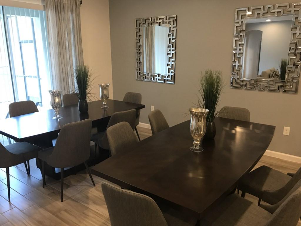 5252 Oakbourne - Dining Area.JPG