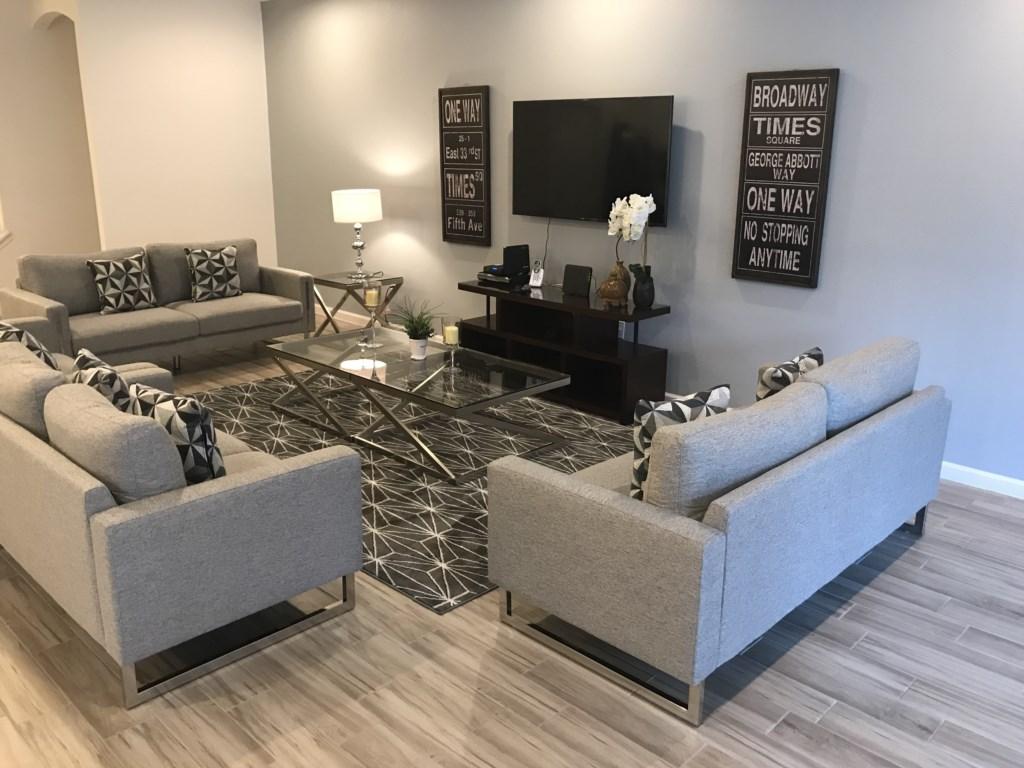 5252 Oakbourne - Living Area 2.JPG