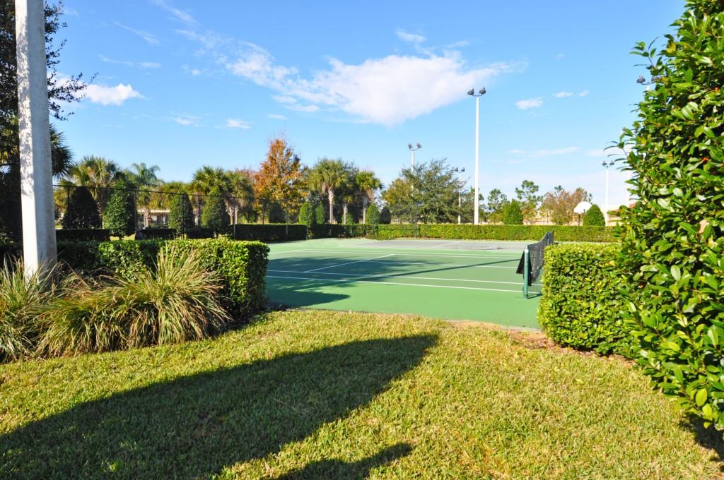 5-TennisCourts