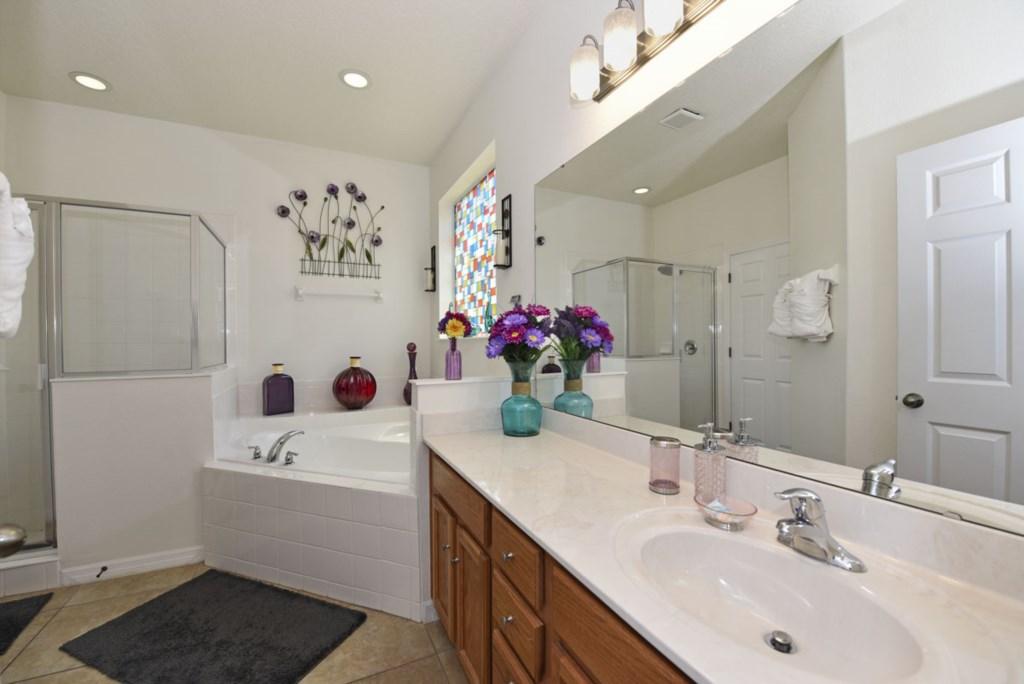 Bathroom Master 1200.jpg