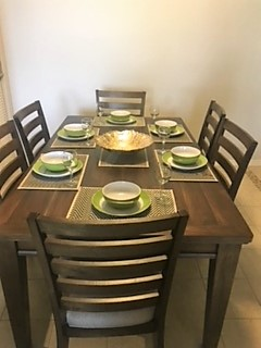 8915 Dinig table.jpg