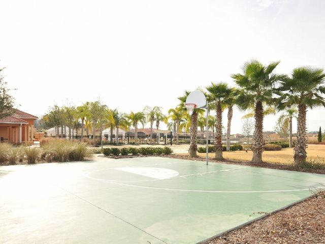 Bellavida-Resort-Kissimmee-Basketball-Court.jpg