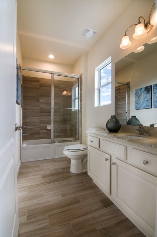 Bathroom2_3940_OakvilleAve_Kissimmee_FL_20170114_FL19974-Edit