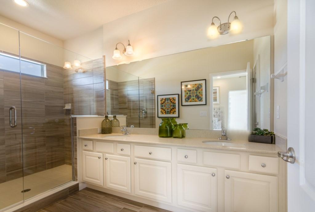Bathroom4_3940_OakvilleAve_Kissimmee_FL_20170114_FL10028-Edit-Edit