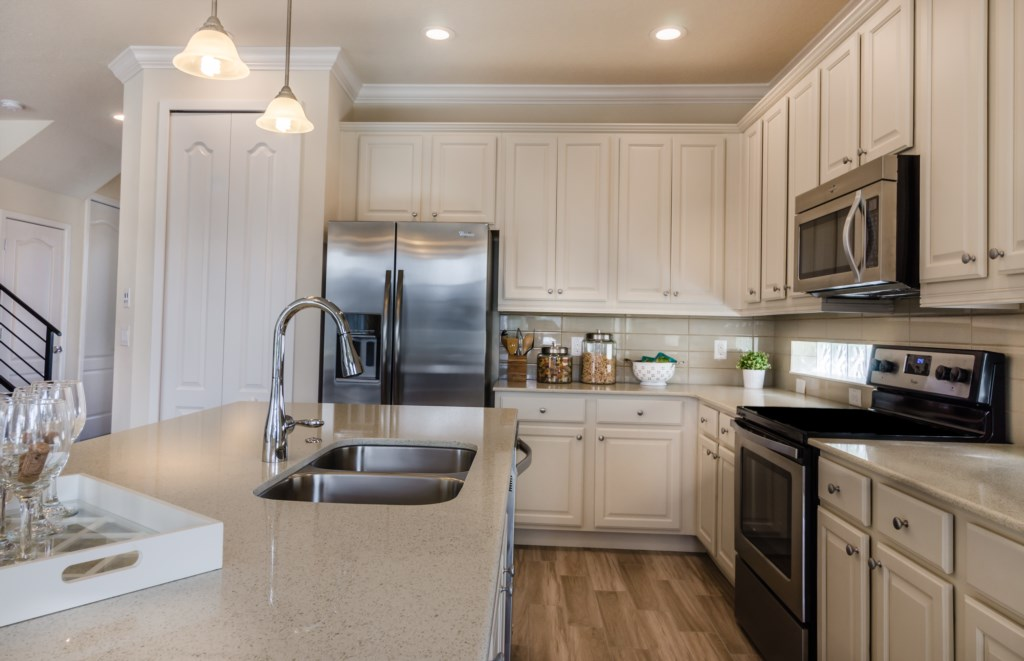Kitchen2_3940_OakvilleAve_Kissimmee_FL_20170114_FL19784-Edit.jpg