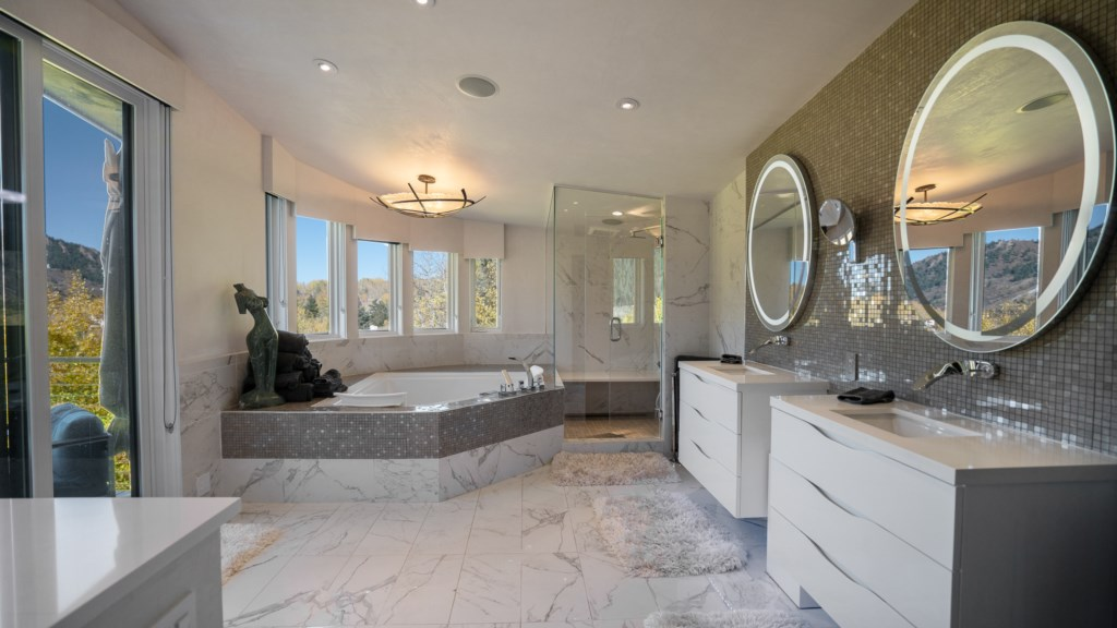 Master Bathroom with Steam and Jacuzzi Tub