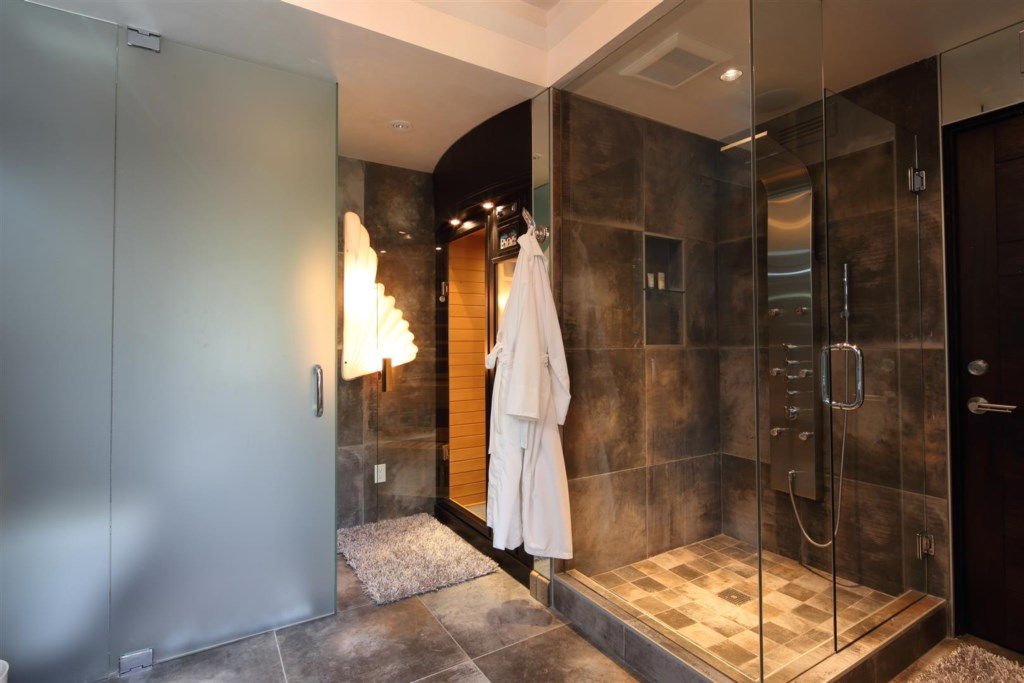 Guest Master with Shower and Sauna