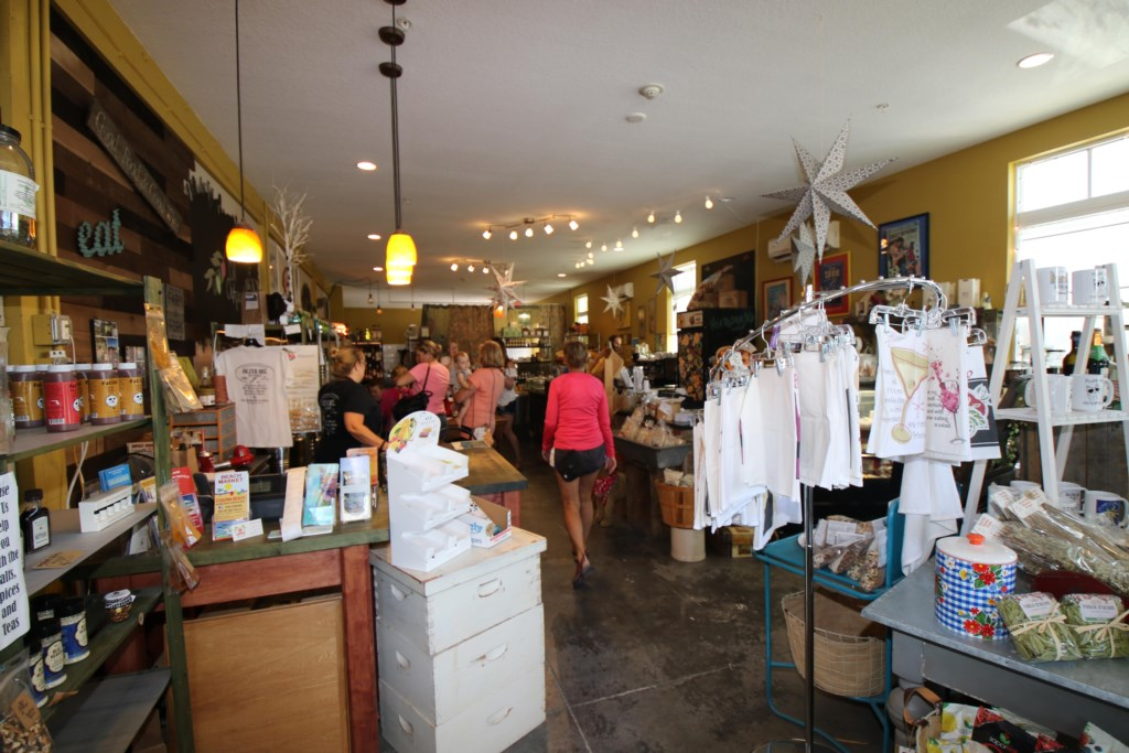 Anna Maria Island-Shopping On Pine Ave.-Just A Short Free Trolley Ride From Our Condo
