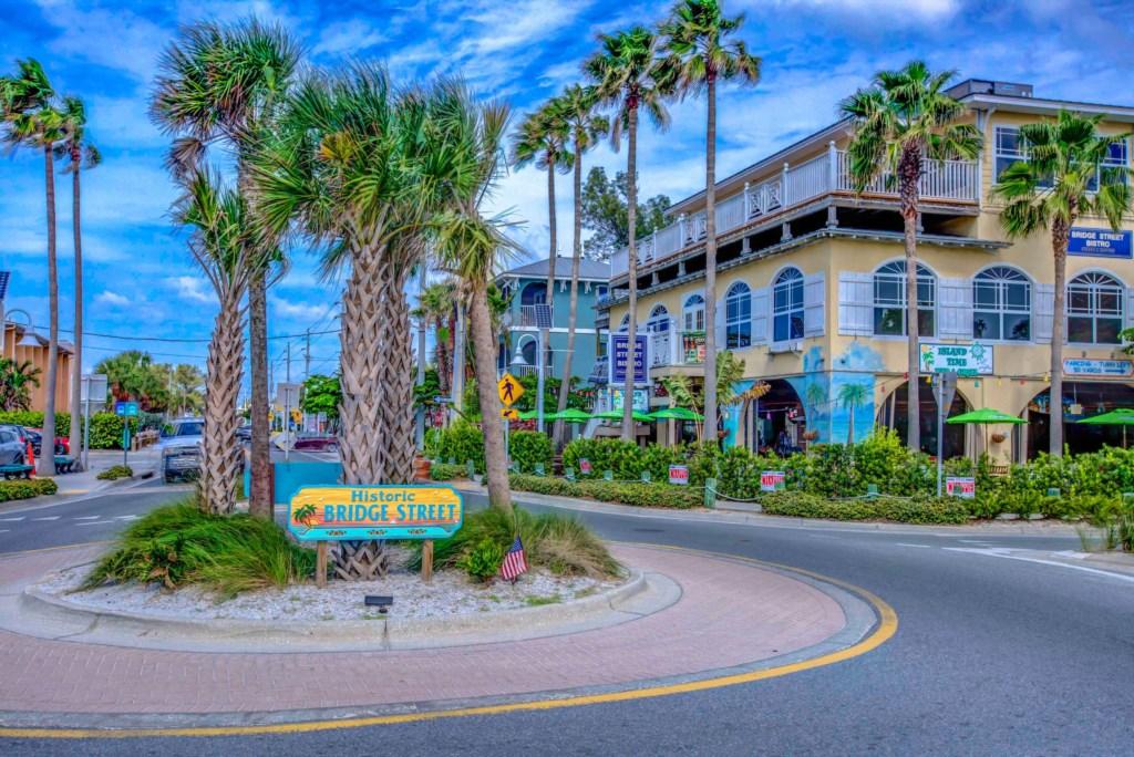 Anna Maria Island-Bridge Street Round-About