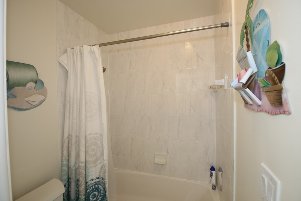 Ensuite Washroom-Marble Walls