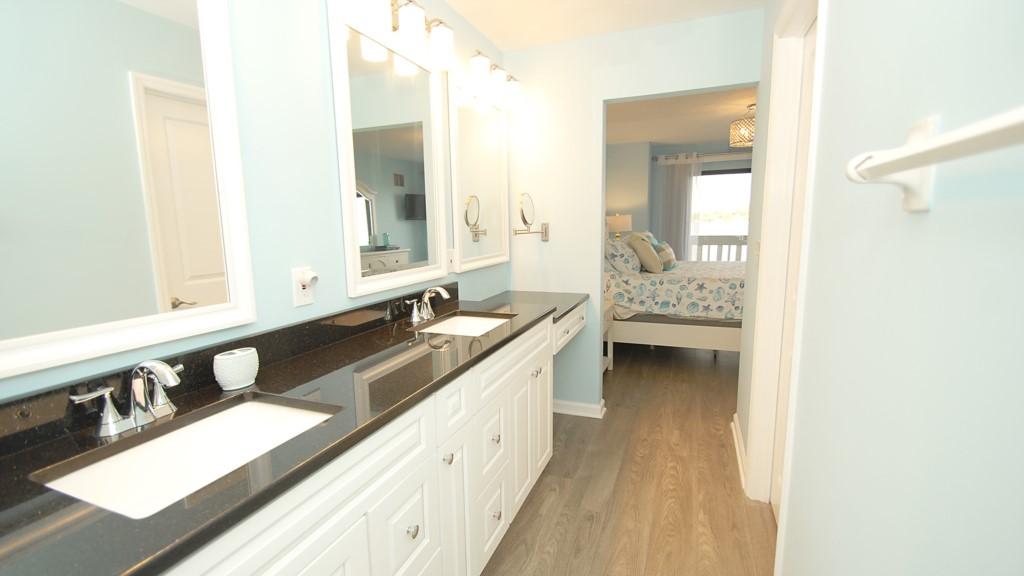 En-suite and master bedroom
