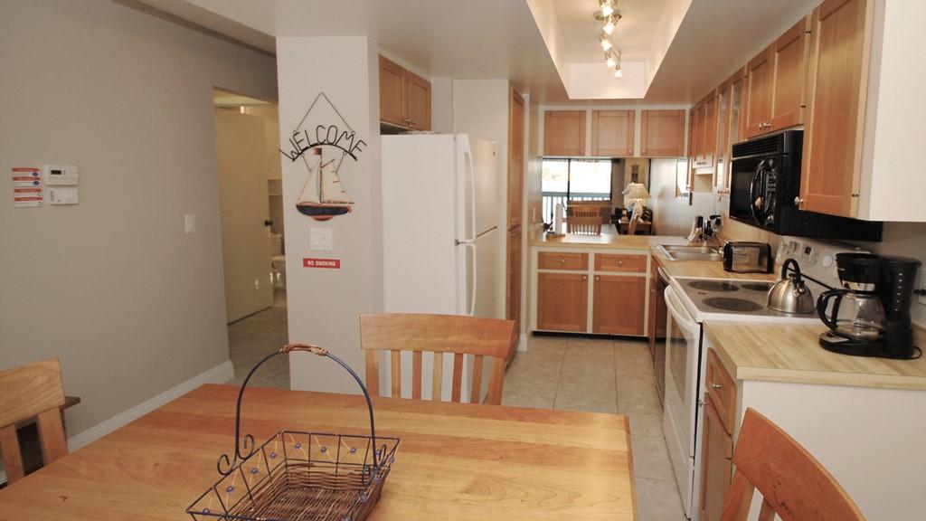 New fully stocked kitchen