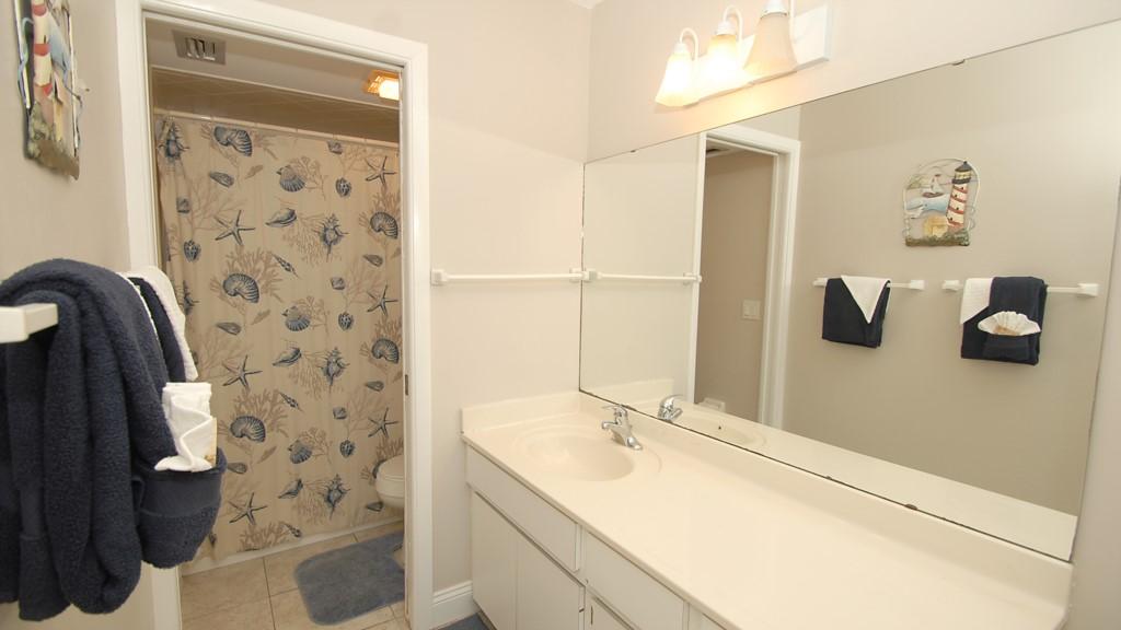 Full en-suite washroom
