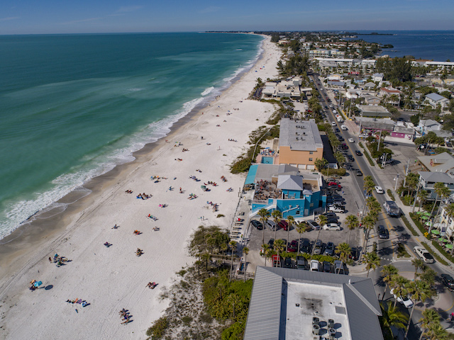 Anna Maria Island Beaches - Walk Out Onto The Beach And Walk For Hours And Hours