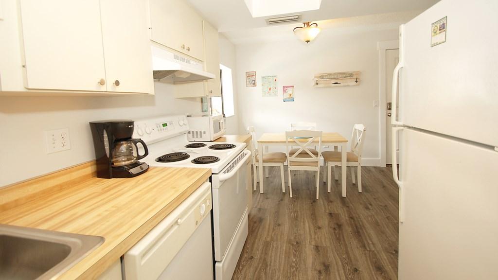 Anna Maria Island Condo - Kitchen