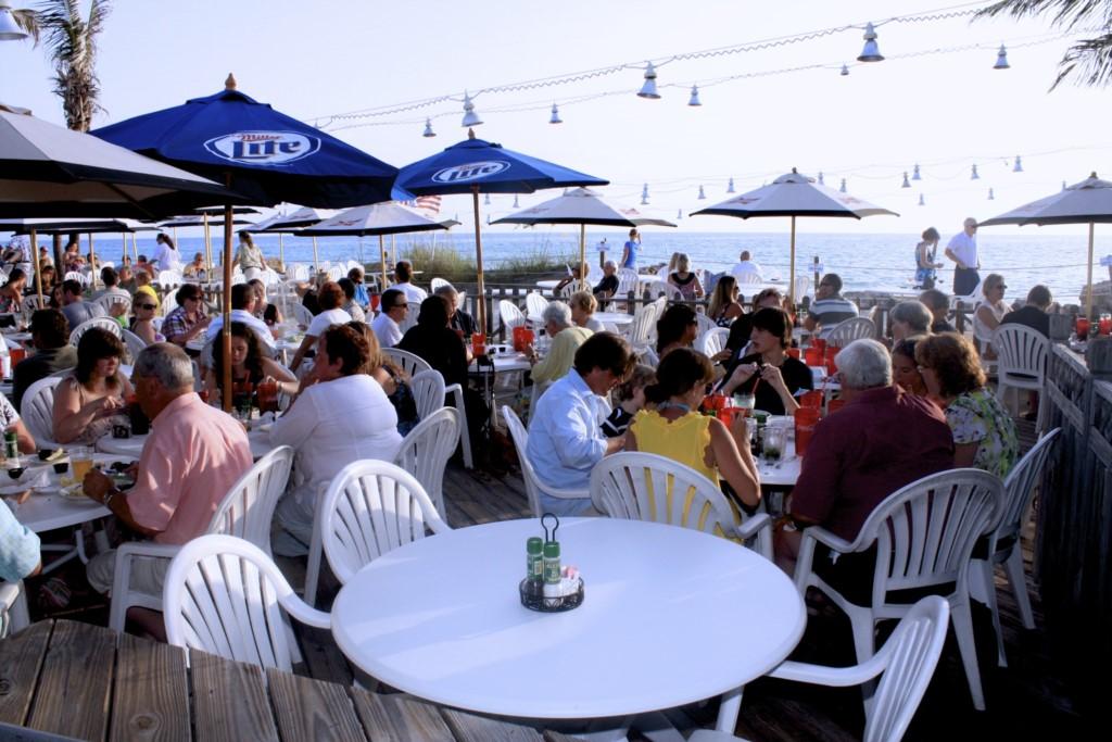 A table awaites you at the Beachhouse
