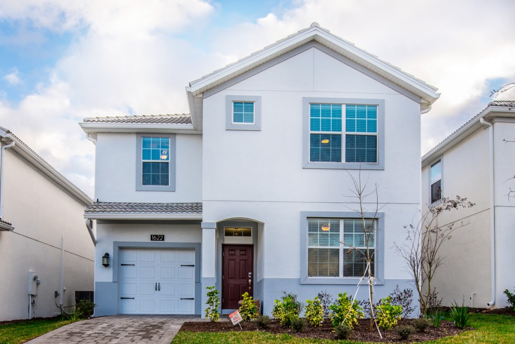 1622MoonVailleyDr-1